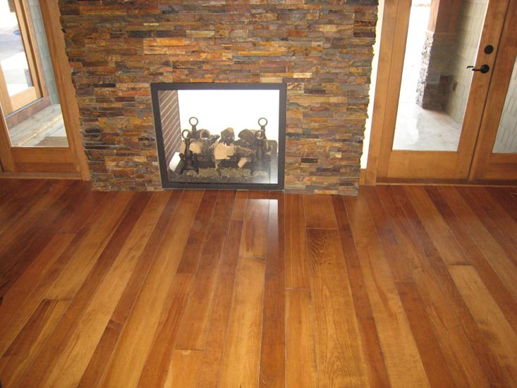 Solid wood products wide plank flooring maple for Wide plank wood flooring